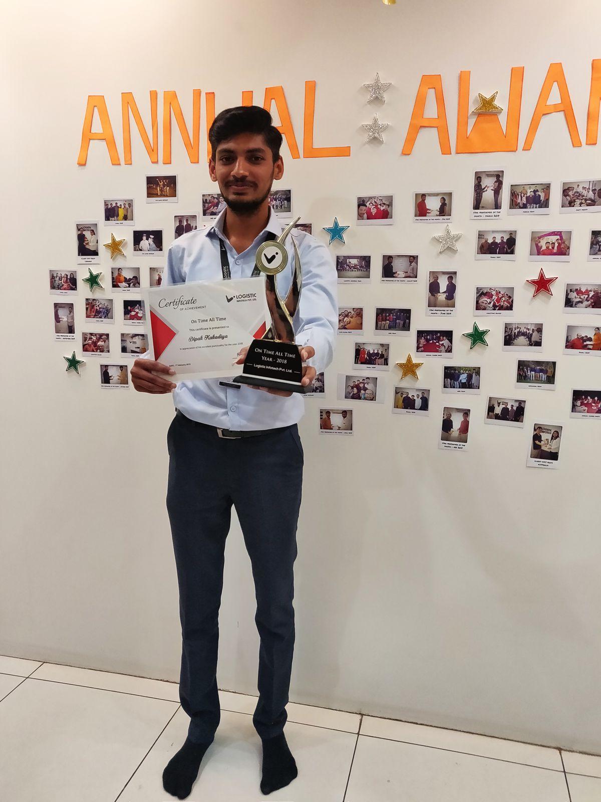 Awards Photoshoot at Logistic Infotech