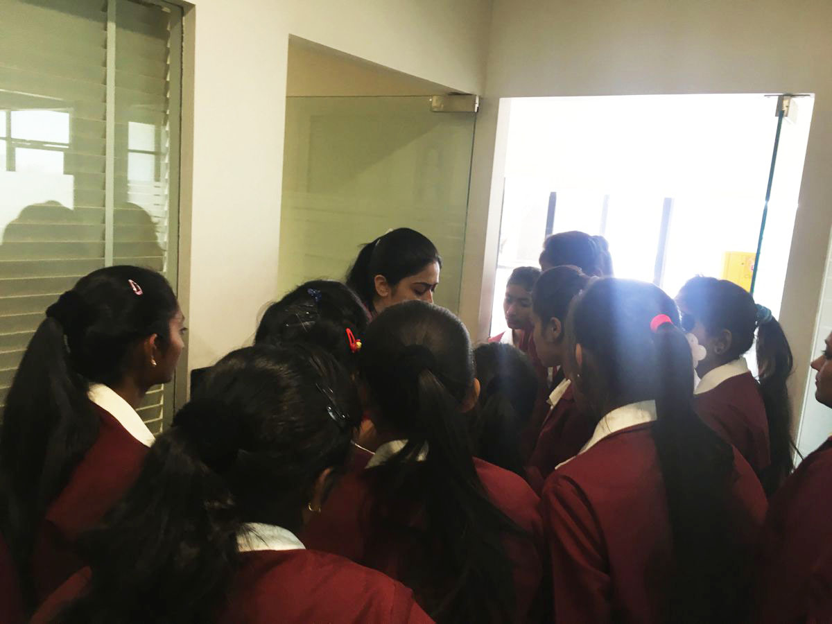 Students visit Logistic Infotech
